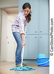 donna, pulizia, cucina, pavimento, con, mocio
