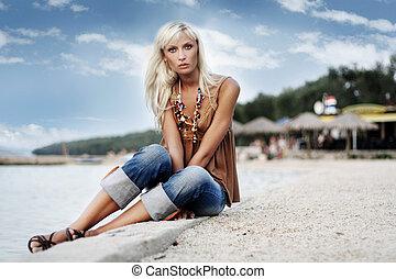 donna rilassa, bello, spiaggia