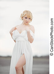 donna, romantico, lungo, biondo, ritratto, vestito bianco