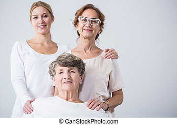 donna senior, famiglia