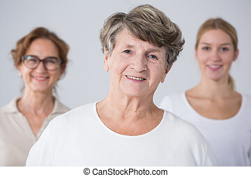 donna senior, lei, famiglia