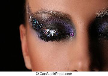 donna, smokey, occhio, con, colorito, crystals., chiudere, su., sfondo nero