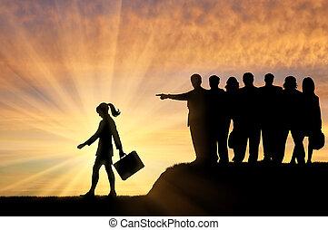 donna, society., folla, persone, loro, silhouette, espulso