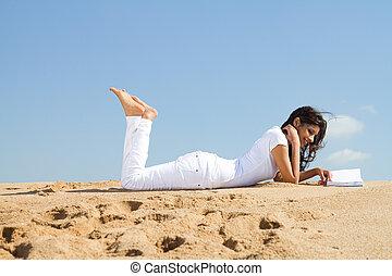donna, spiaggia, libro, rilassante