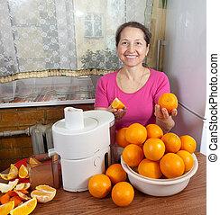 donna, succo, maturo, arancia fresca, fabbricazione