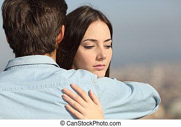 donna triste, abbracciare, lei, ragazzo, coppia, problemi