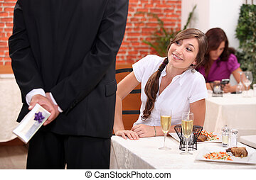 donna uomo, regalo, offerta, ristorante