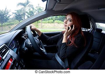 donna, usando, uno, far male, telefono
