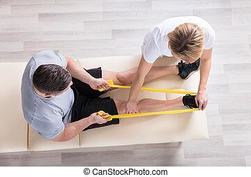 donner, exercice, femme, kinésithérapeute, traitement