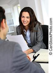 donner, femme affaires, entretien travail