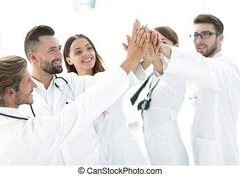 donner, médecins, five., élevé, autre, groupe, chaque
