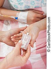 donner, malade infirmière, pilules