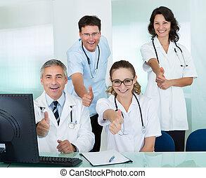 donner, monde médical, haut, pouces, équipe, heureux