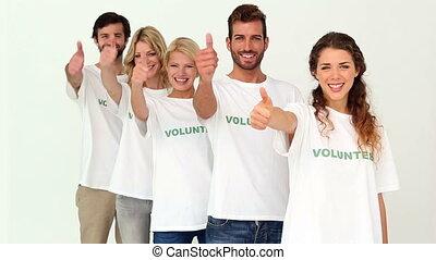 donner, volontaires, équipe, haut, pouces