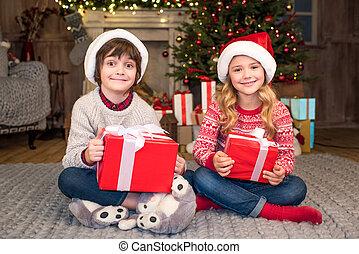 dons, chapeaux, enfants, santa, noël