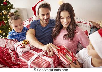 dons, partage, noël, famille