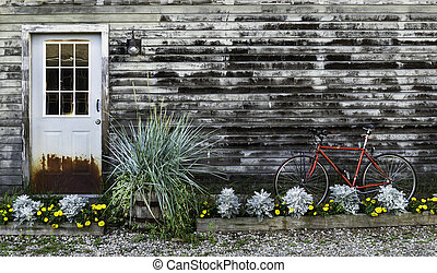 Door and Bike in Kennebunkport in Maine, USA.