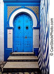 door in sousse - a door in the chasba of sousse in  tunisia