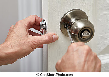 Installation door knob with lock woodworker screwed screw