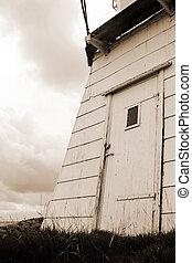 Door on lighthouse2
