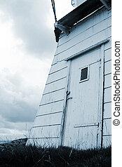 Door on lighthouse3