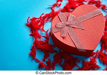 doosje, hart, cadeau, gevormd, blauwe veren, geplaatste, achtergrond, rood, rood