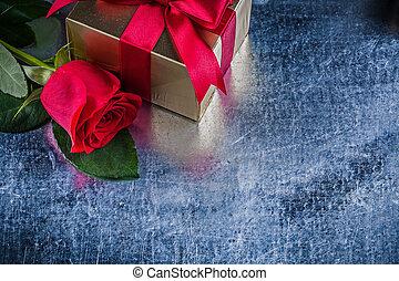 doosje, natuurlijke , cadeau, roos, op, verpakte, afsluiten, rood, aanzicht