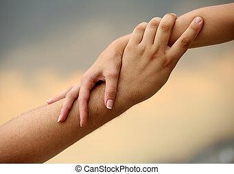 dopomagając ręce