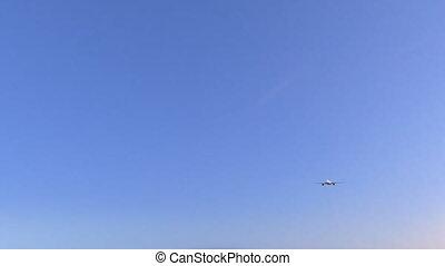 doppel maschine, kommerzielles flugzeug, ankommen, zu,...