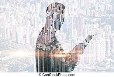 doppia esposizione, di, città, e, uomo, usando, digitale, tablet., orizzontale