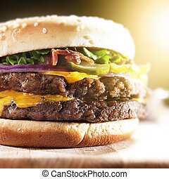 doppio, hamburger, con, pancetta affumicata, e, formaggio fuso, primo piano