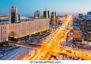 doré, astana, kazakhstan., maison, grand, ministries, gratte-ciel, va, horizon, vue, avenue, au-dessus