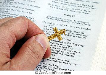 doré, bible, croix, quoique, tenue, lecture