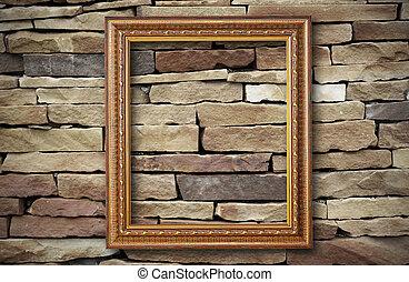 doré, cadre, sur, vieux, mur brique