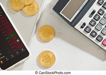 doré, smartphone's, calculatrice, pièces, bitcoin, écran, fond, blanc, pile, physique