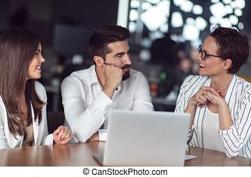 doradca, finansowy, para, kontrakt, dom, spotkanie, lokata