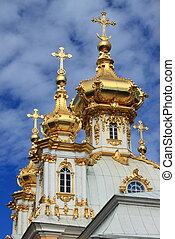 dorado, cúpulas, en, peterhof, palacio