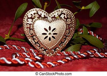 dorato, cuore, e, vischio, su, sfondo rosso