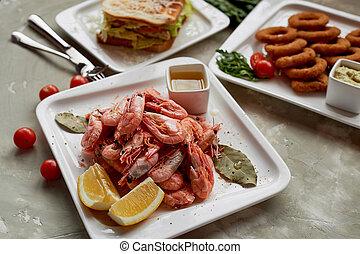 dorato, spuntino, cipolla, bar.shrimp, pub, birra, rings., bocca-watering, panino, o