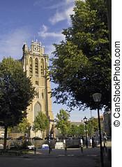 Dordrecht cathedral in the summer - Imposing Dordrecht...