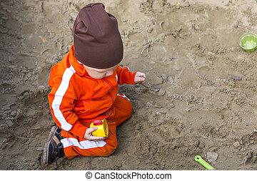 dorlotez garçon, sandbox, jouer