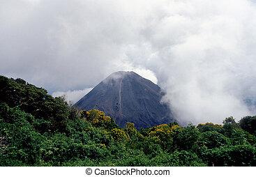 dormant volcano in El Salvador