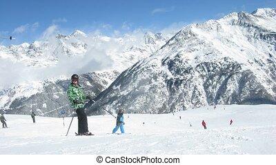 dorsale montagne, skis, contre, bas, tiefenbachkogl, montée...