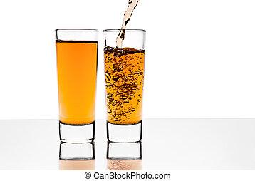 dos, anteojos, con, alcohol