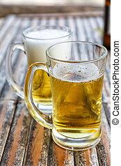 dos, cervezas, en, anteojos