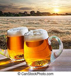 dos, cervezas, en, salida del sol