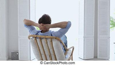 dos, confortable, flâner, chaise, homme, vue, jeune, ...