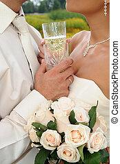 dos, copas de champán, contra, amantes