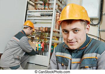 dos, electricista, trabajadores