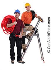 dos, electricistas, trabajo junto
